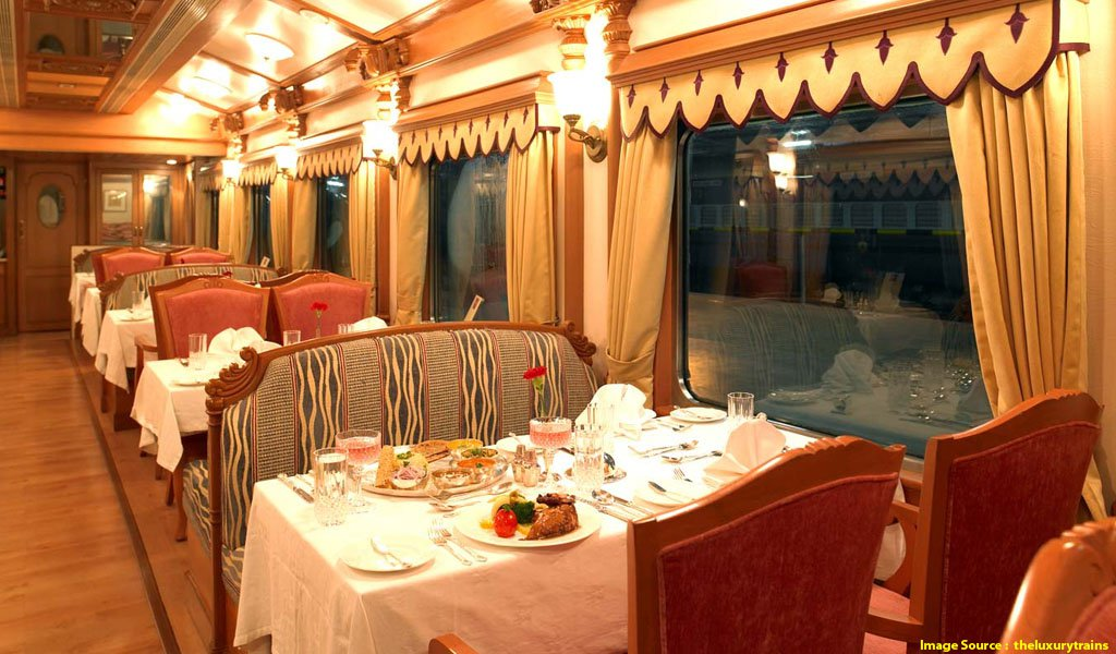 Luxury Trains In India : Golden Charriot