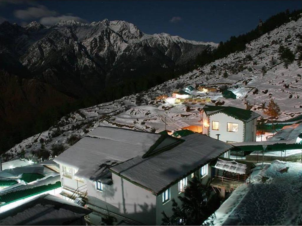 Top 10 Hill Stations In North India : Auli hill station in Uttarakhand
