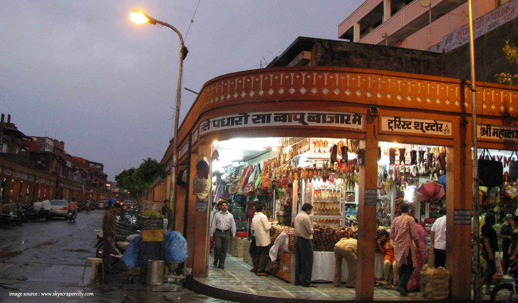 10 Most Colourful Bazaars in India : Bapu Bazaar at Jaipur