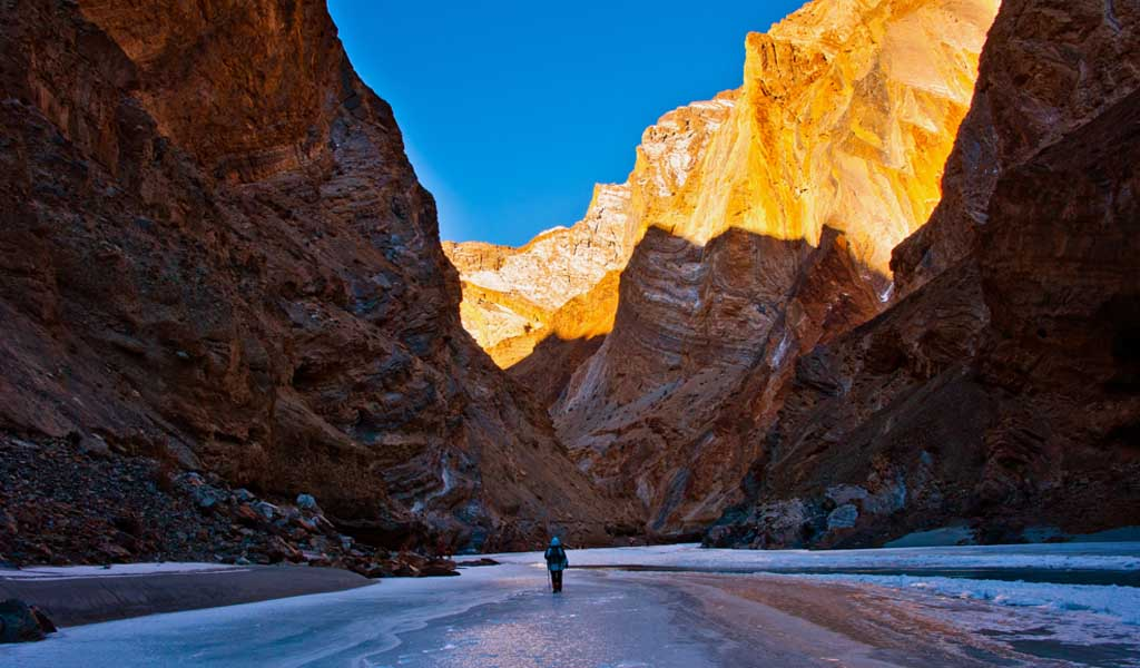 Places in India to relax : Chadar Trek