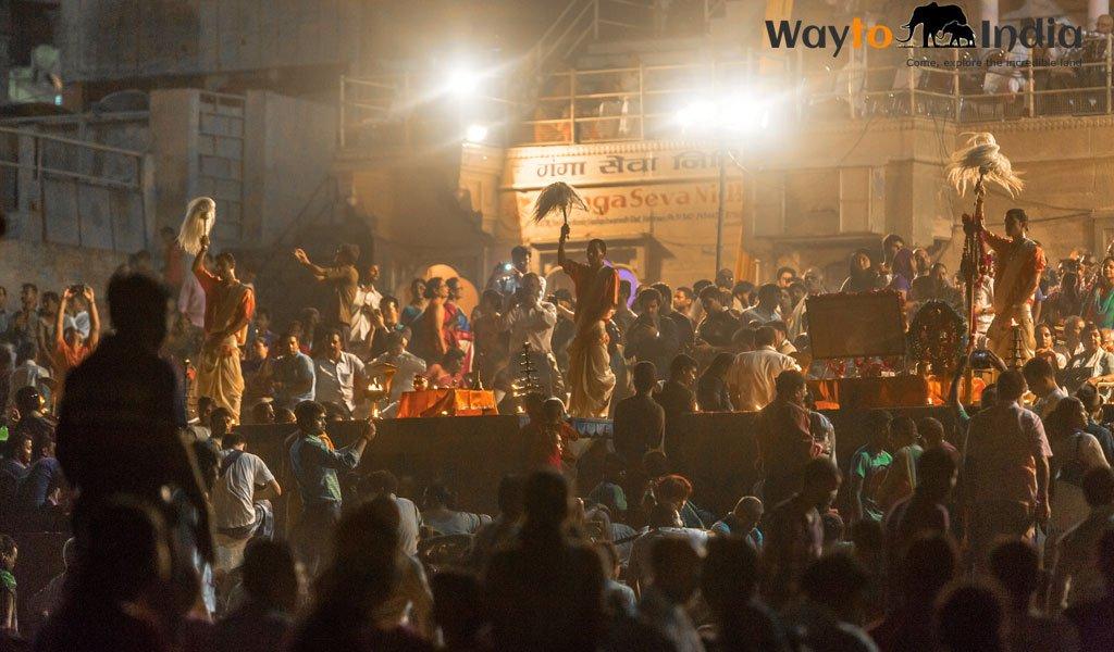 Evening aarti at Dasaswamedh Ghat : Must do things in Varanasi
