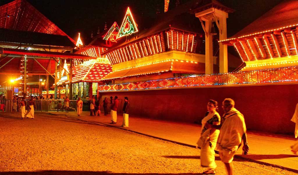 Famous Pilgrimage Places in South India : Guruvayoor Thissura temple