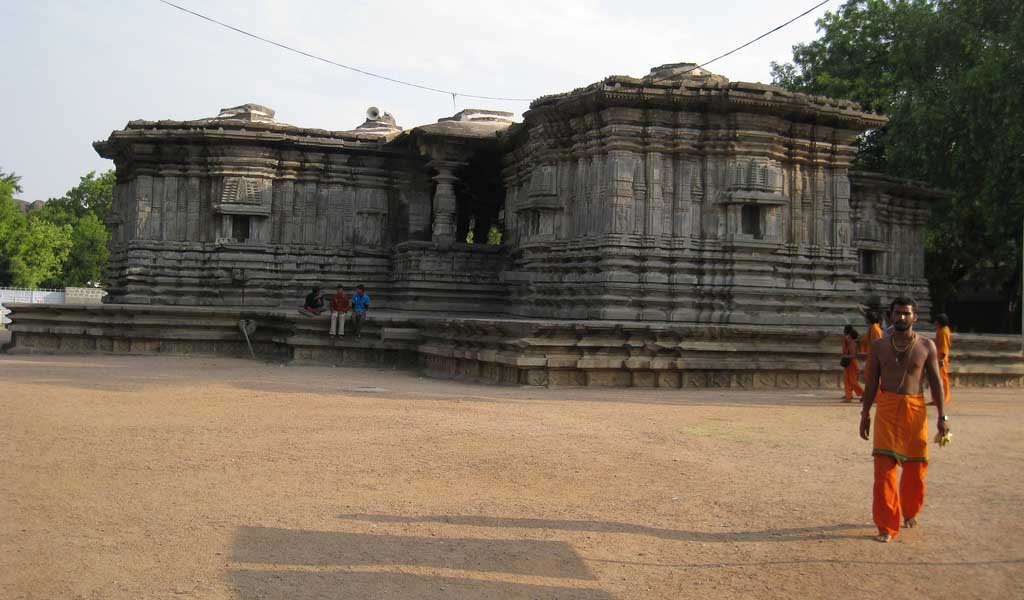 Famous Pilgrimage Places in South India : Hanamakonda Temple