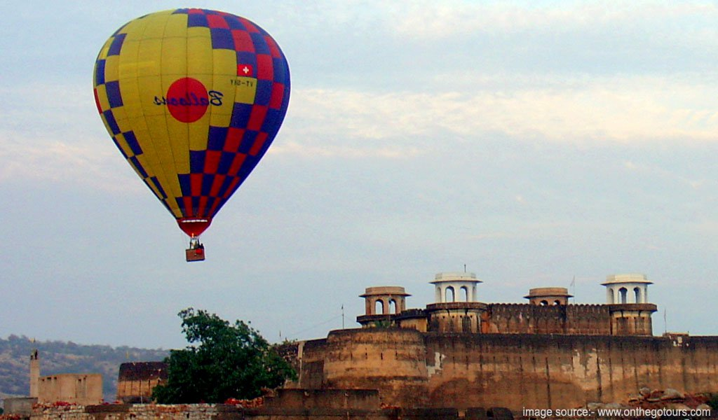 Hot air ballon at Jaipur