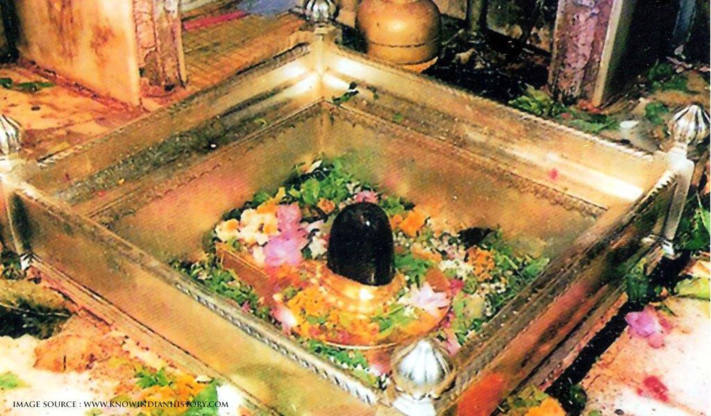 Kashi Vishwanath Temple : must visit places in Varanasi