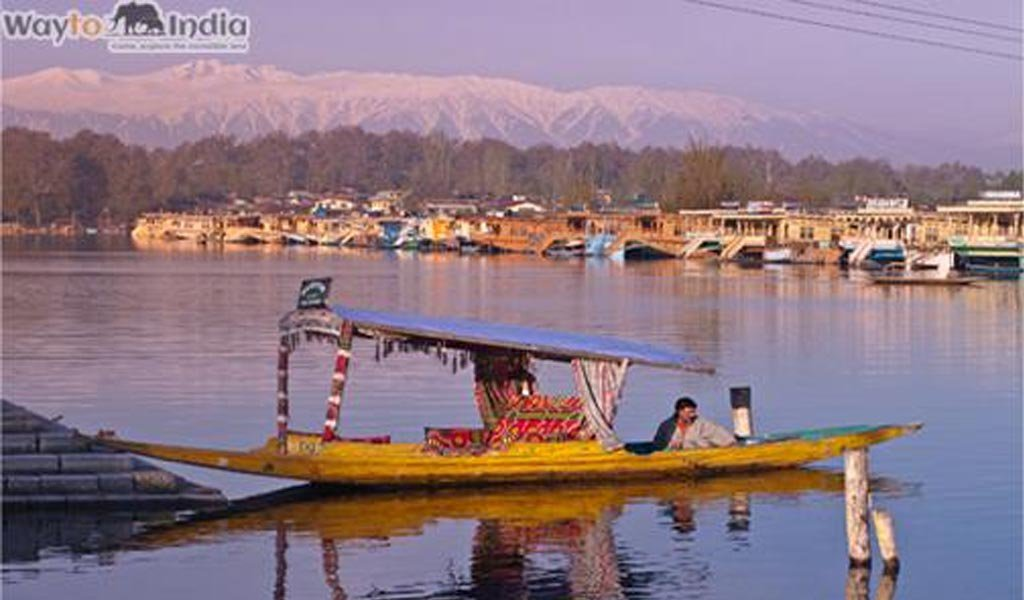 Best Tourist Places In India : Kashmir beauty