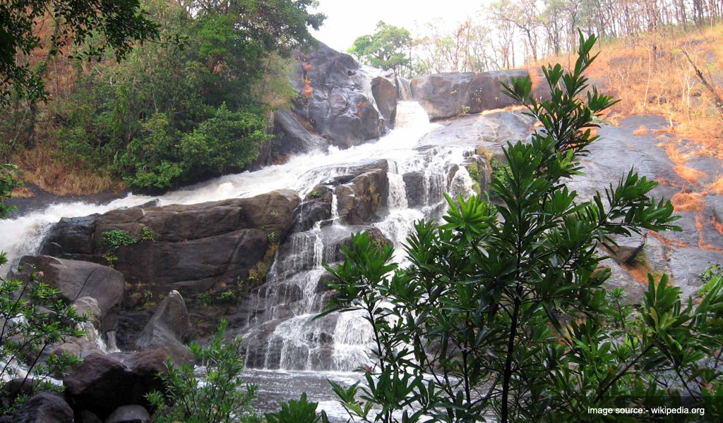 MEENMUTTY Waterfall : tallest waterfalls in India