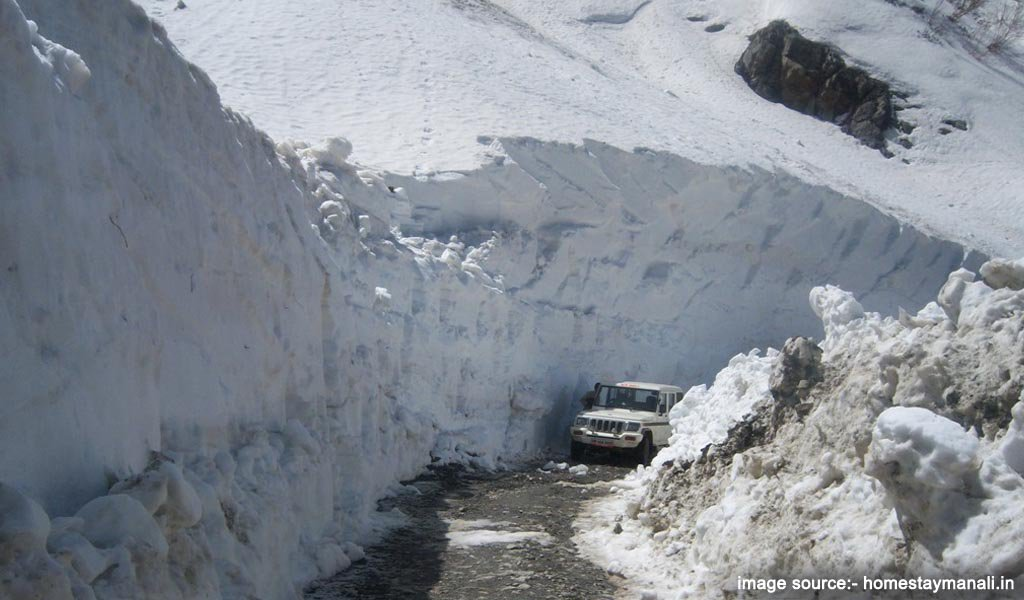 Rohtang Pass : remote places in india