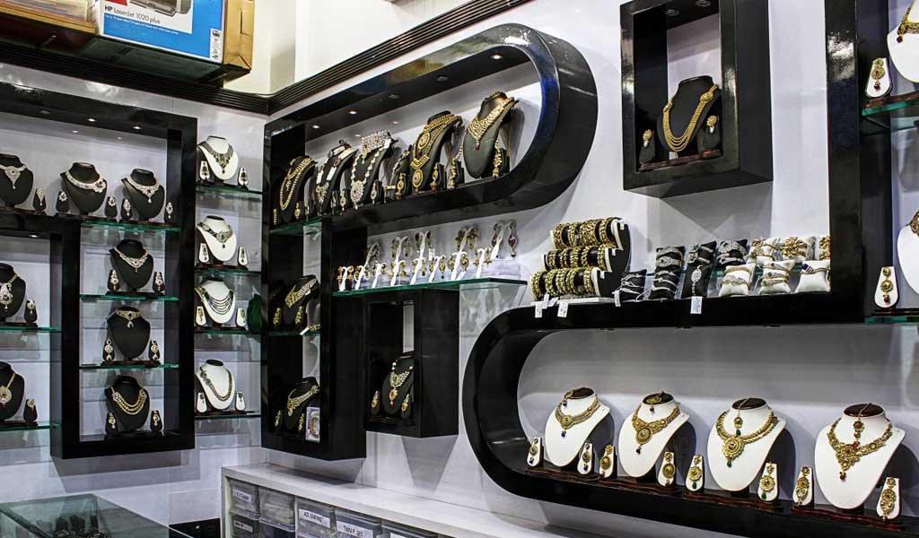 Famous Shopping Places in Mumbai : Zaveri Bazaar