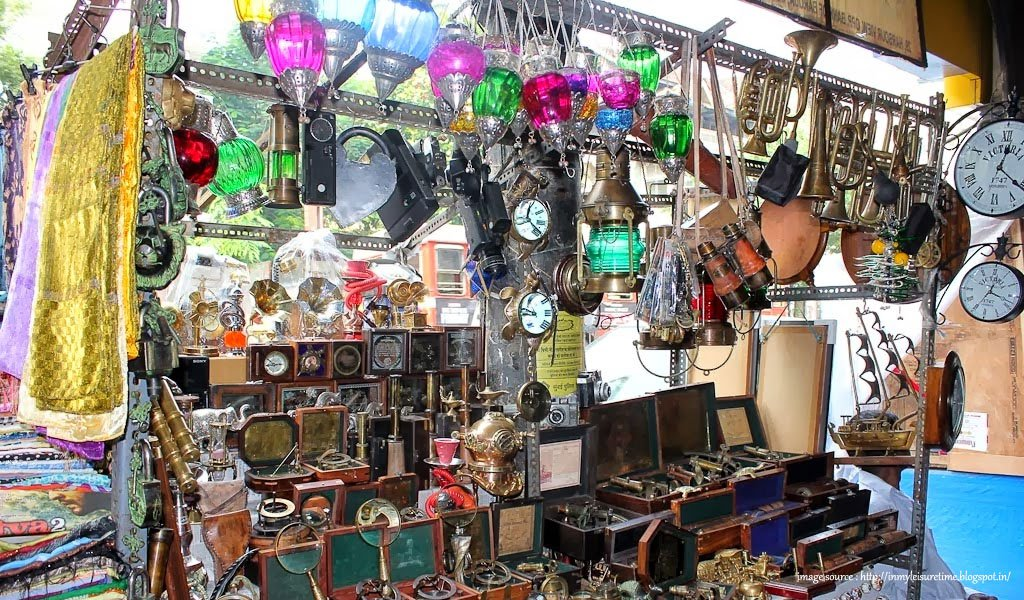 10 Most Colourful Bazaars in India : Colaba Causeway