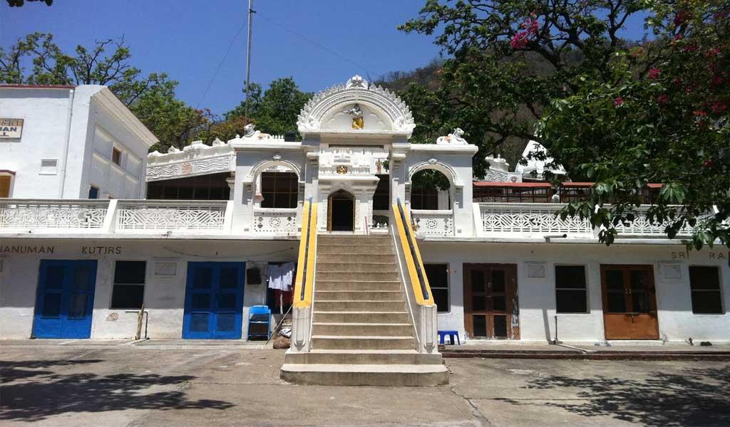 Ashrams in Rishikesh for Yoga & Meditation