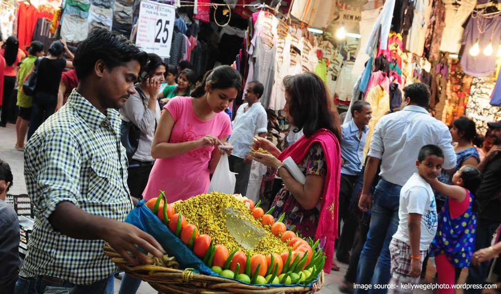 7 Best Shopping Places in Delhi : Janpath Market