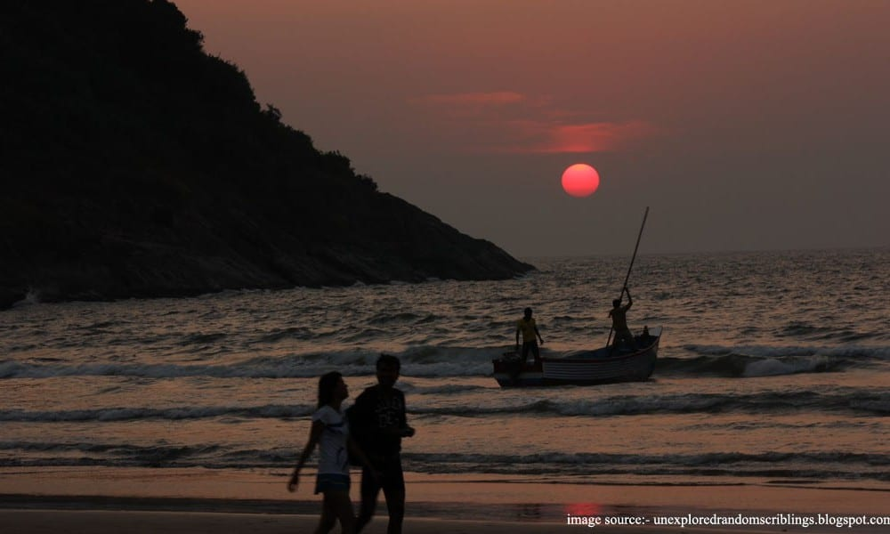 Places to visit in Goa : Karwar beach
