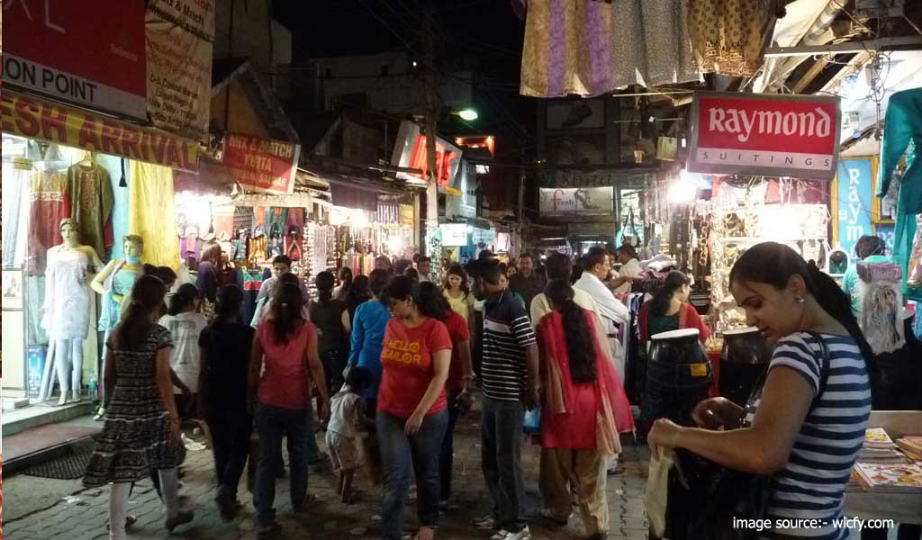 7 Best Shopping Places in Delhi : Lajpat Nagar market
