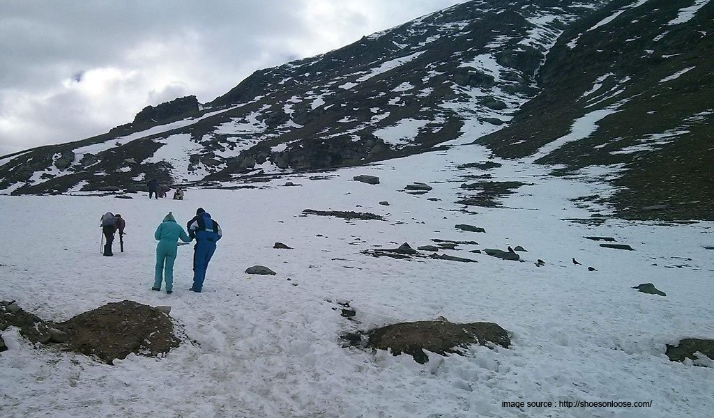 trek to rohtang pass