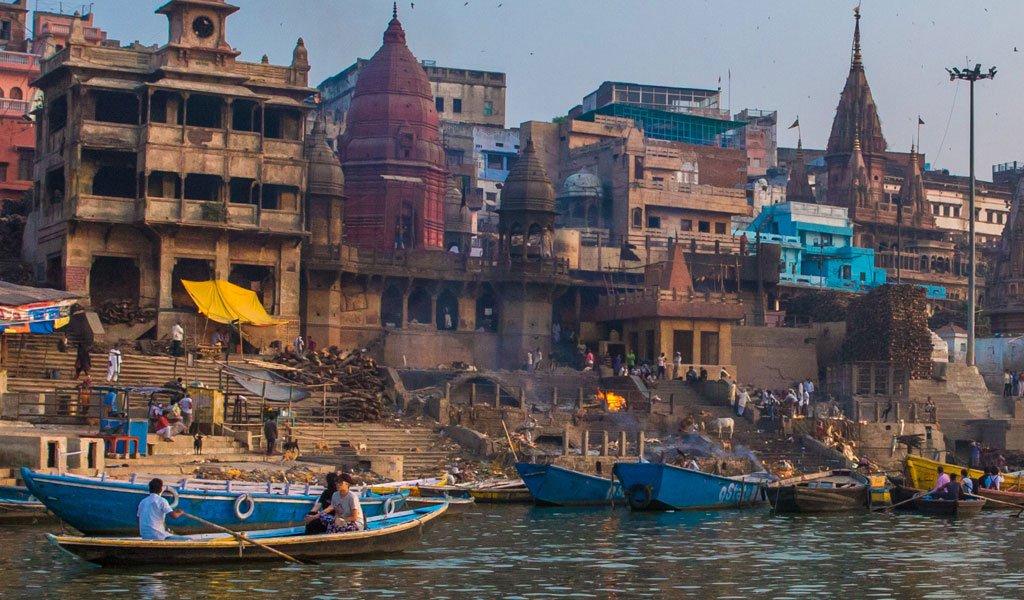 manikarnika ghat : must do things in varanasi