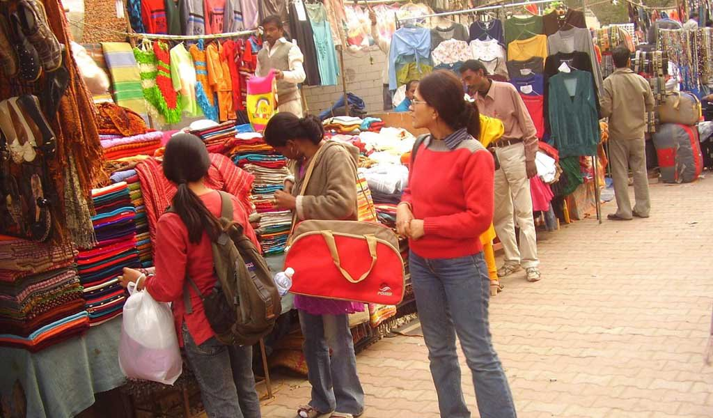 7 Best Shopping Places in Delhi : Sarojani Nagar Market Delhi